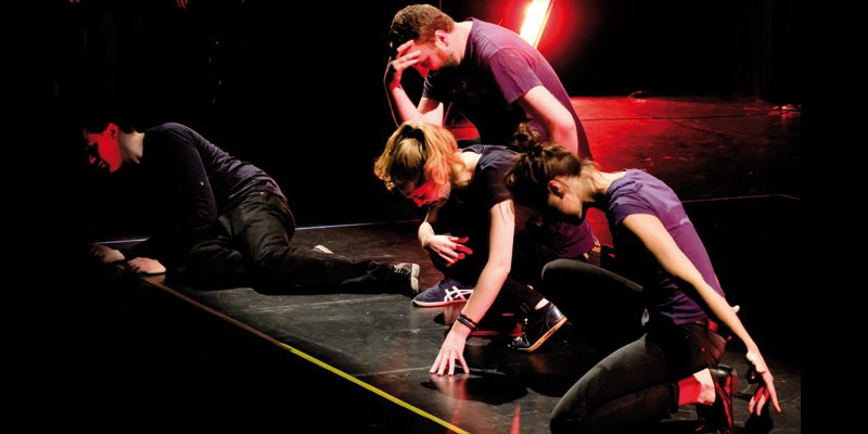 cours théâtre improvisation adulte initiation débutant Courbevoie